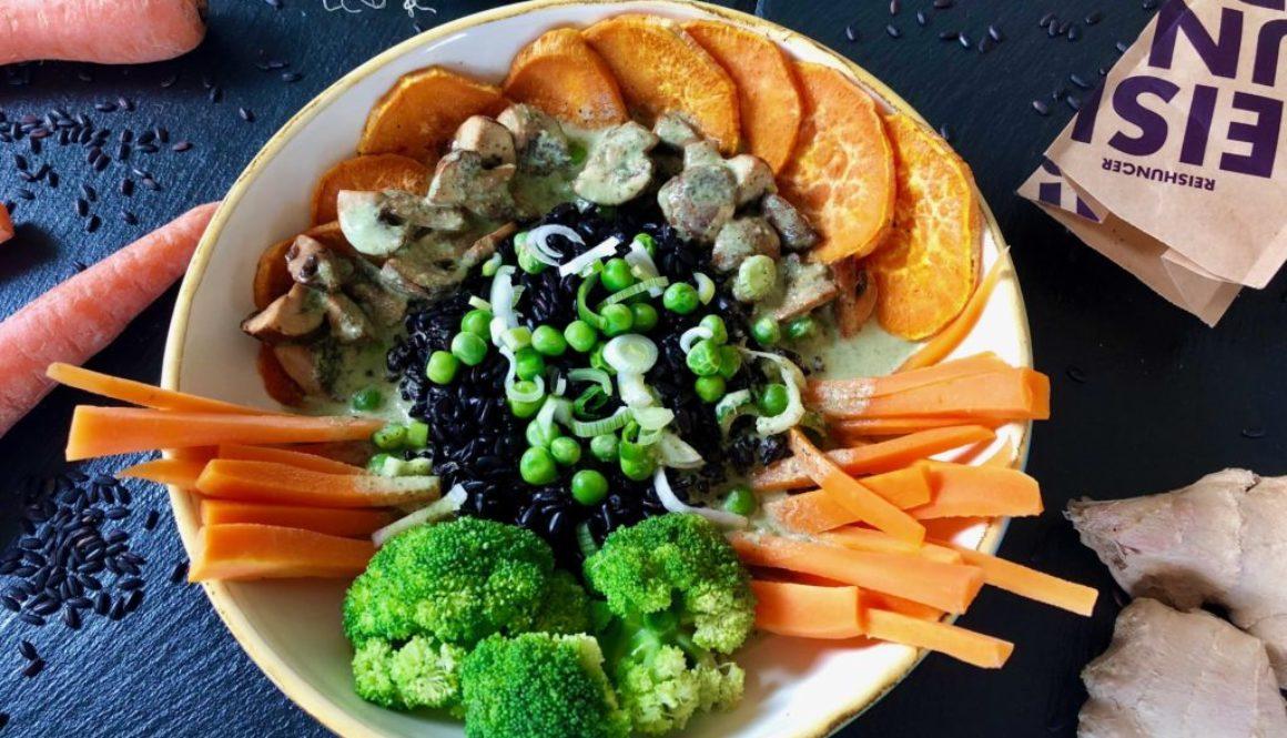 Grüne Curry-Bowl vegan